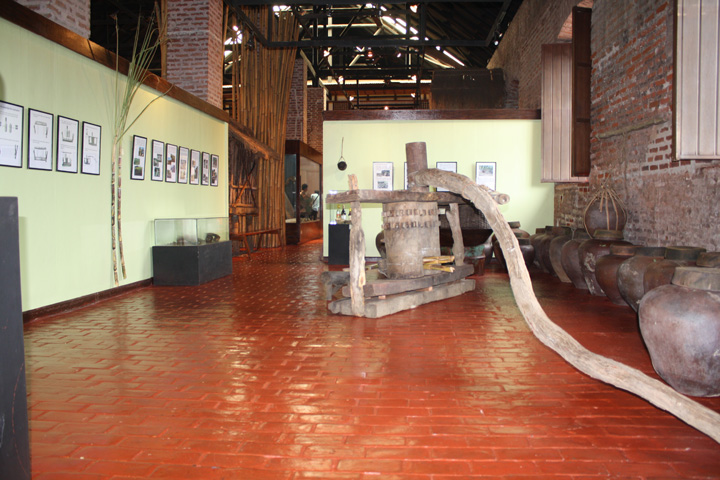 17_exhibit_area