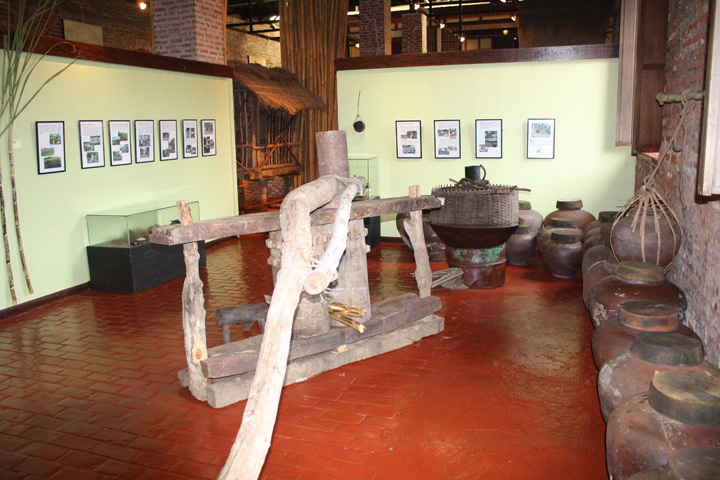 19_exhibit_area